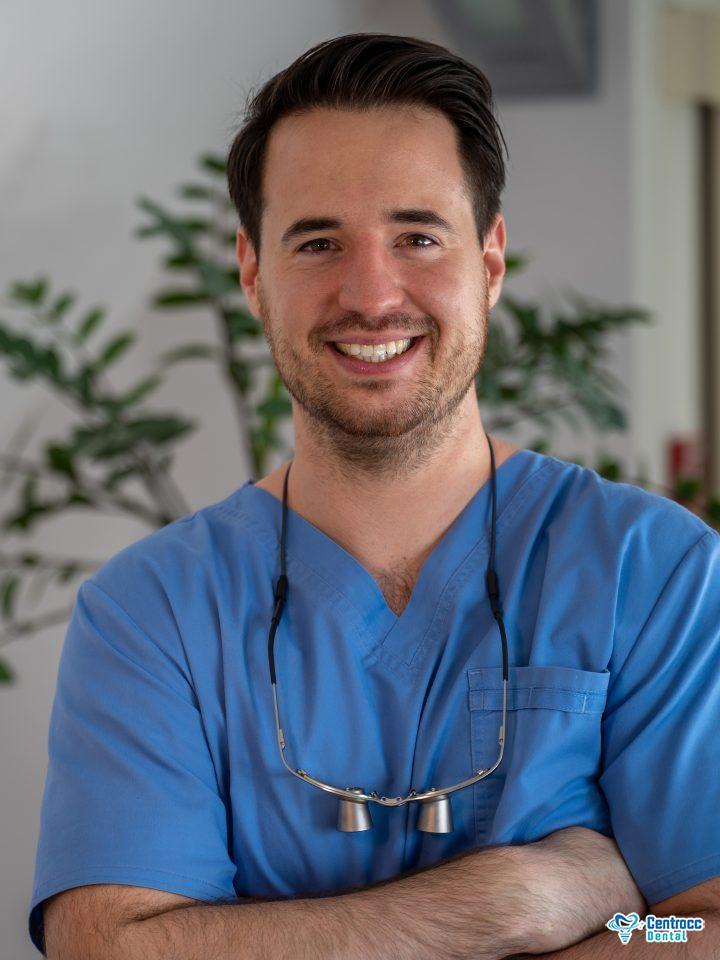 Dr. med. dent. Balázs Szendrei